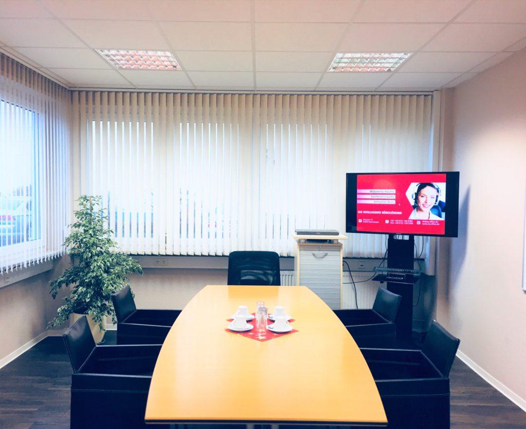 Besprechungsraum ab 17 € / Std  Raum IQ-6 / 25qm bis 6 Personen      (Standardmöblierung) Boardroom Bestuhlung     Flipchart, Whiteboard, Beamer oder Flatscreen, 47 Zoll /120 cm, W-LAN     verdunkelbar.